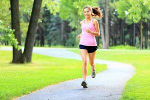 đi-bộ-chế-độ-tập-luyện-cho-người-bệnh-gout-nên-làm-mỗi-ngày-1